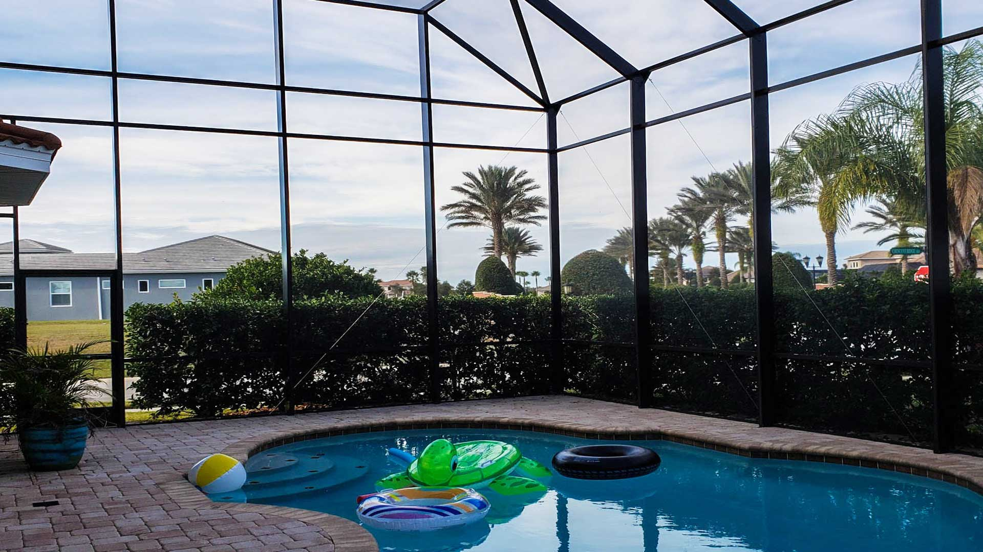 What Are the Differences Between a Florida Sunroom, Lanai, & Pool Cage?